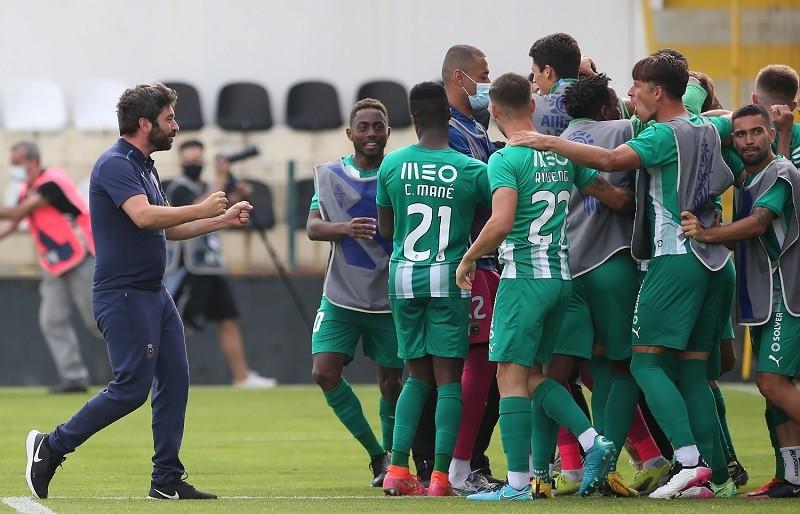 Rio Ave eliminou Varzim da Taça da Liga e trouxe alegria a Vila do Conde