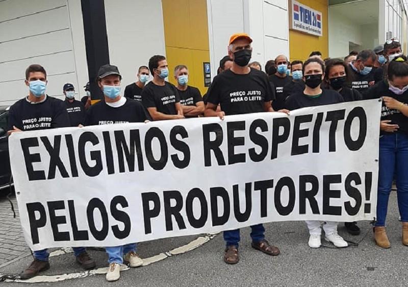 Produtores de Leite exigem respostas dos distribuidores e do Governo