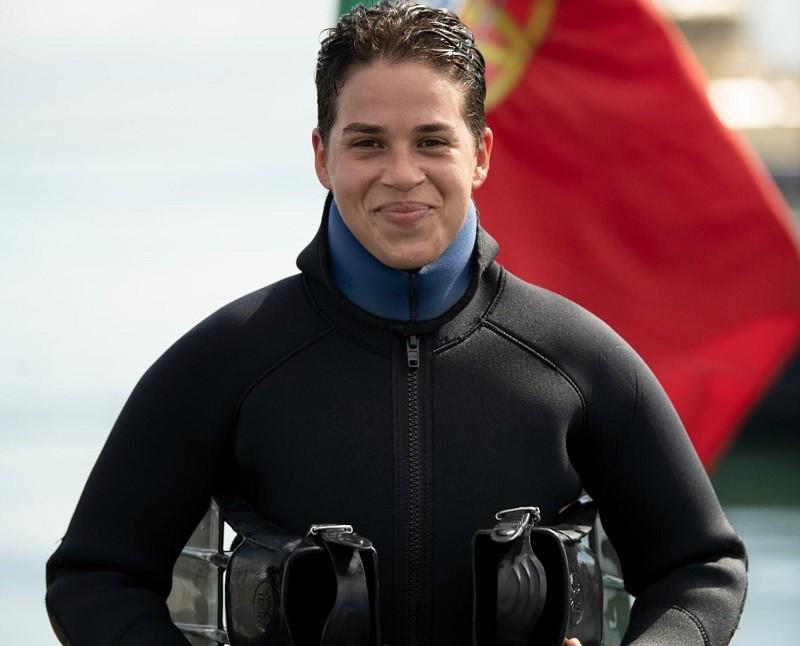 Jovem de Vila do Conde é primeira mulher com curso de mergulhadores da Marinha