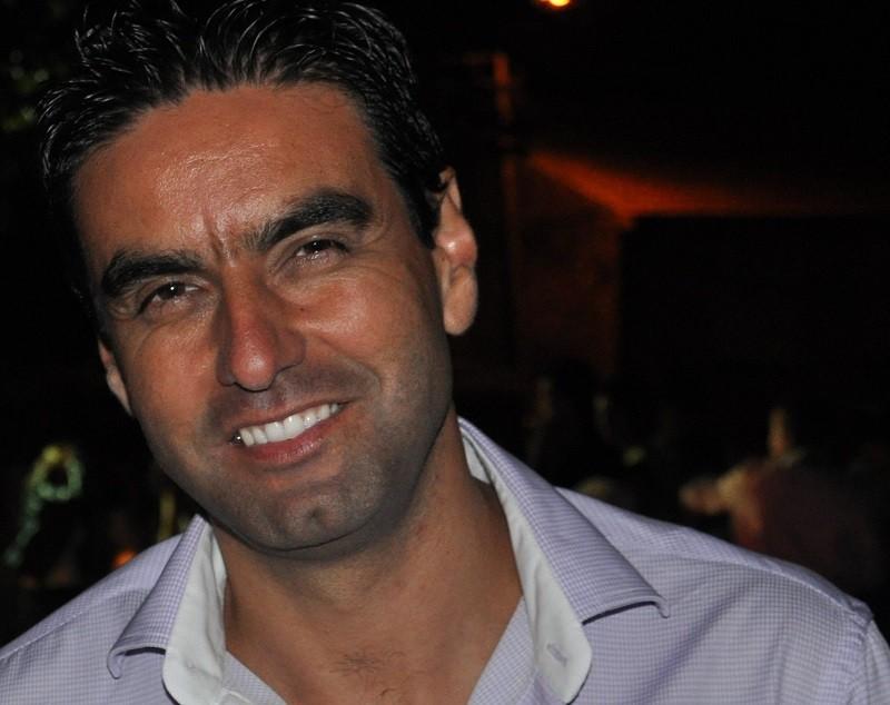 Junqueira reelege socialista Carlos Baptista