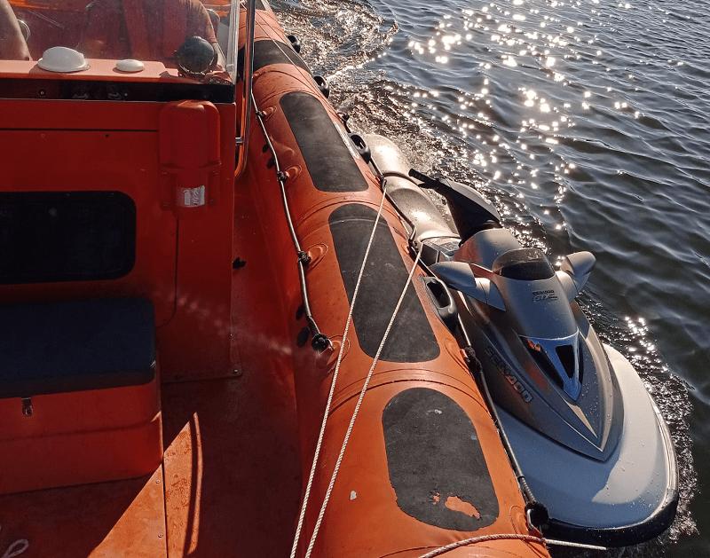 Estação Salva-vidas auxilia dois tripulantes de mota de água em Vila do Conde