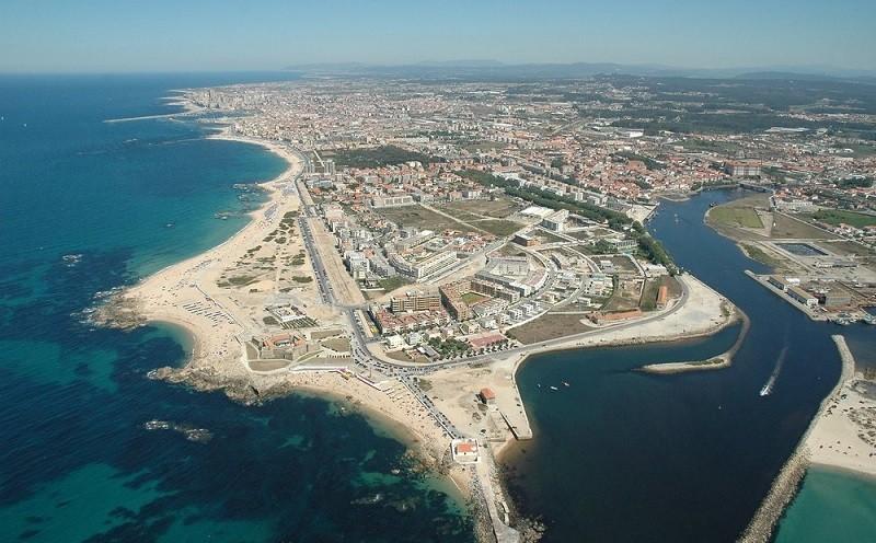 Começaram os trabalhos para dragar 130 mil metros cúbicos de areia em Vila do Conde