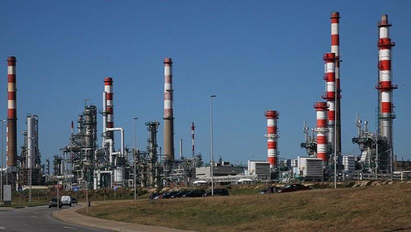PSD apresenta projeto de resolução sobre reconversão ambiental da refinaria de Matosinhos