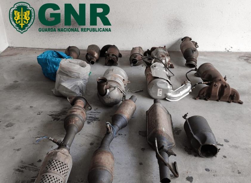 GNR apreende na Maia 13 catalisadores por suspeita de furto